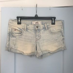 HP🎉Hollister size 5 striped shorts
